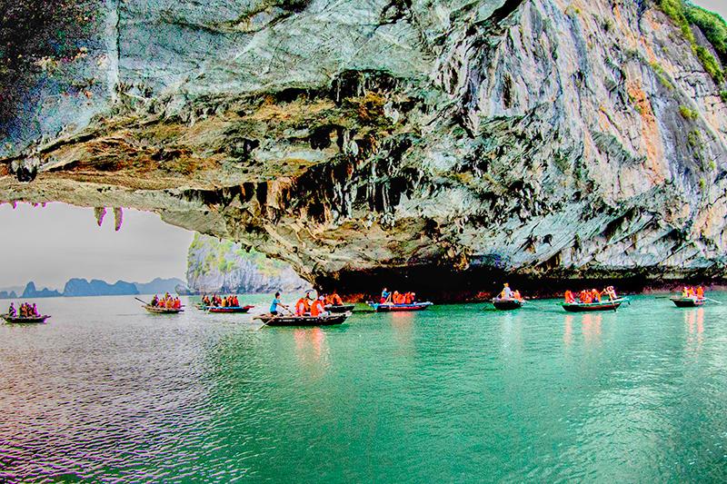 Du lịch biển đảo Quảng Ninh: Cơ hội và thách thức
